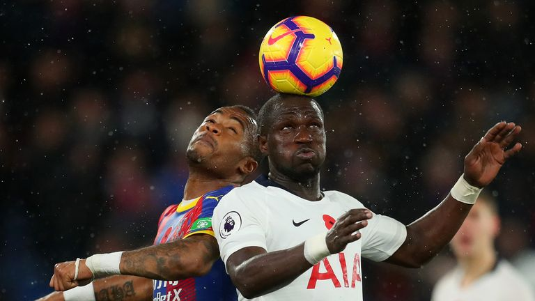 Moussa Sissoko and Jordan Ayew battle for the ball