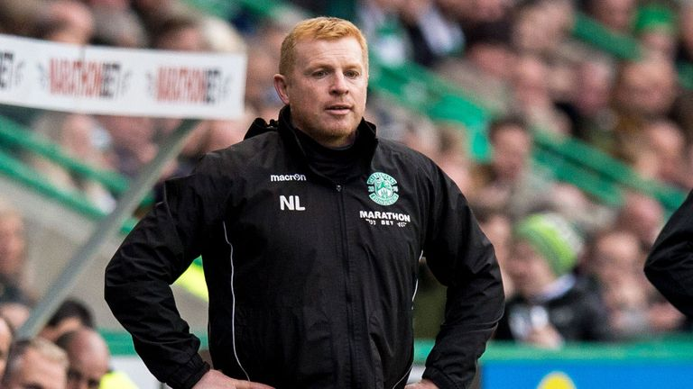 Hibernian manager Neil Lennon has shown great dignity, according to Nicola Sturgeon
