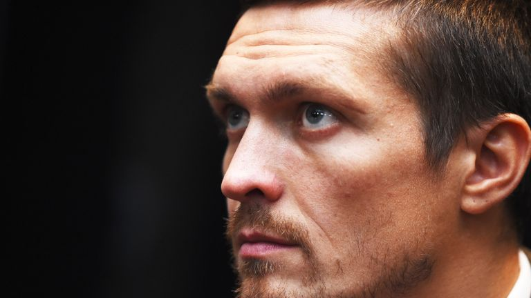 Oleksandr Usyk knocks out battling Tony Bellew in eighth round