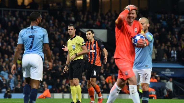 Shakhtar goalkeeper Andriy Pyatov could not believe referee Viktor Kassai's decision