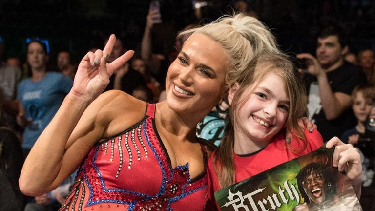 WWE's recent visit to the UK proved their fans do not judge male and female wrestlers any differently