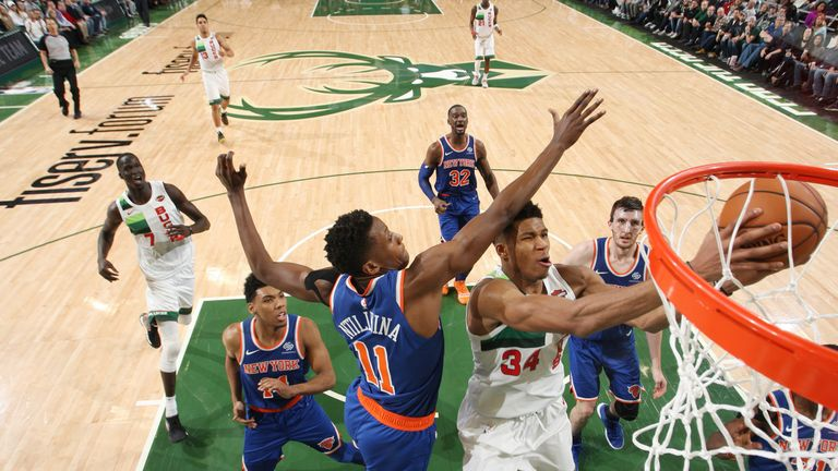 Giannis Antetokounmpo finished on the edge against the Knicks