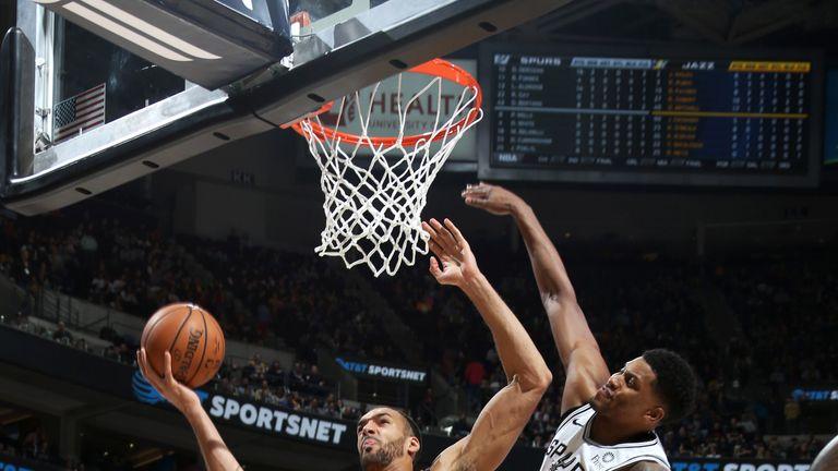 Rudy Gobert attacks the basket against San Antonio