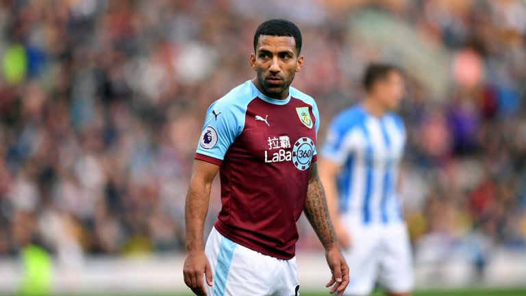 Aaron Lennon has had his contract extended at Burnley for the 2019/20 season.