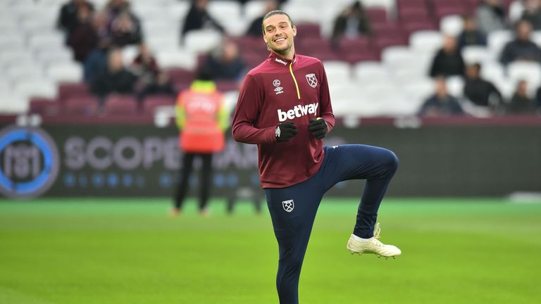 Andy Carroll warms up ahead of West Ham United v Manchester City on November 24, 2018