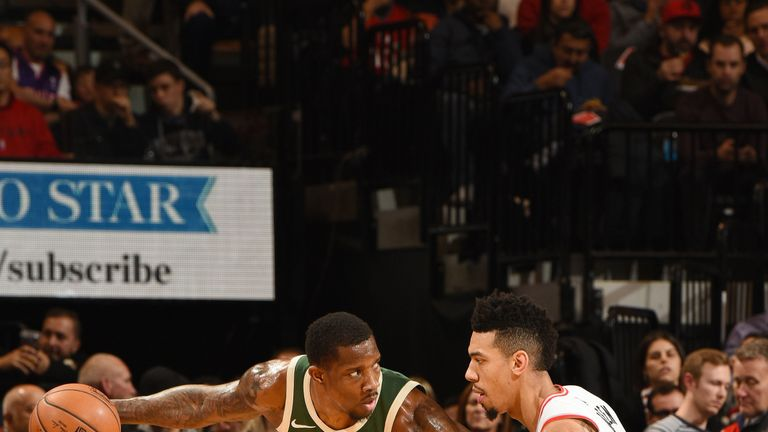 Milwaukee Bucks topple Toronto Raptors