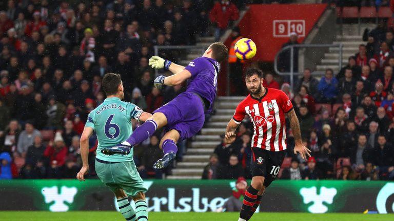 Charlie Austin scores Southampton's winner