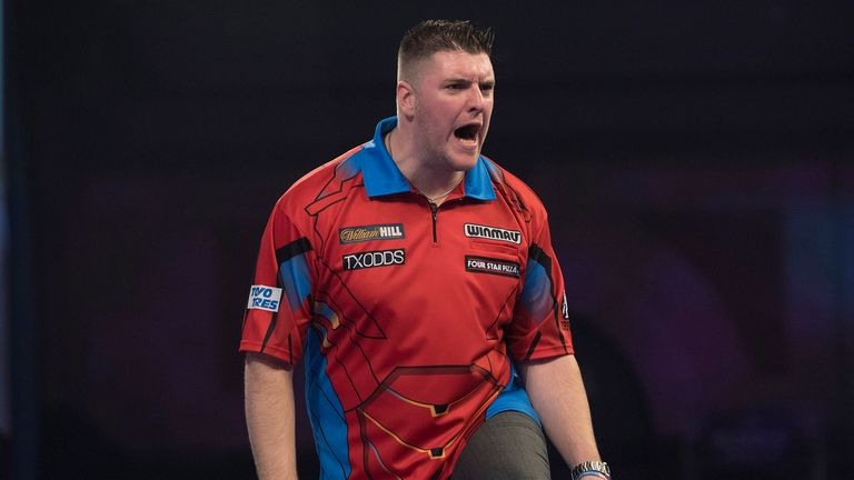 WILLIAM HILL WORLD DARTS CHAMPIONSHIP 2019.ALEXANDRA PALACE,.LONDON.PIC;LAWRENCE LUSTIG.ROUND 2 .DARYL GURNEY V ROSS SMITH.DARYL GURNEY IN ACTION