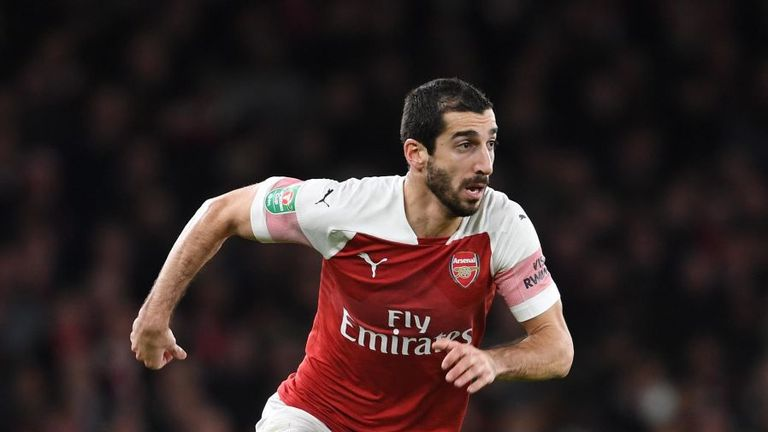 Arsenal's Mkhitaryan ruled out for six weeks with fractured metatarsal
