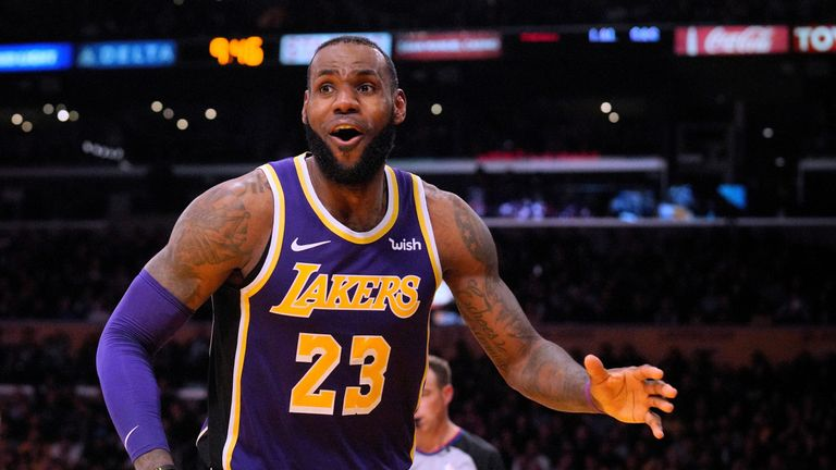 345996b31734 LeBron James reacts after his blocking foul during a 121-113 win over the  San