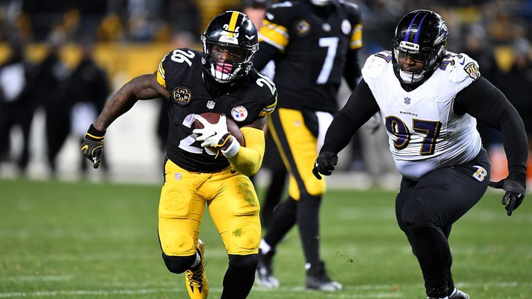 Le'Veon Bell missed the entire 2018 season after declining a contract offer from the Steelers