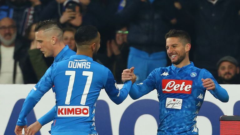 Dries Mertens celebrates his decisive strike in Napoli's win over Bologna