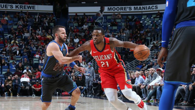 NEW ORLEANS, LA - DECEMBER 5: Darius Miller #21 of the New Orleans Pelicans handles the ball against the Dallas Mavericks on December 5, 2018 at the Smoothie King Center in New Orleans, Louisiana. NOTE TO USER: User expressly acknowledges and agrees that, by downloading and or using this Photograph, user is consenting to the terms and conditions of the Getty Images License Agreement. Mandatory Copyright Notice: Copyright 2018 NBAE (Photo by Layne Murdoch Jr./NBAE via Getty Images)