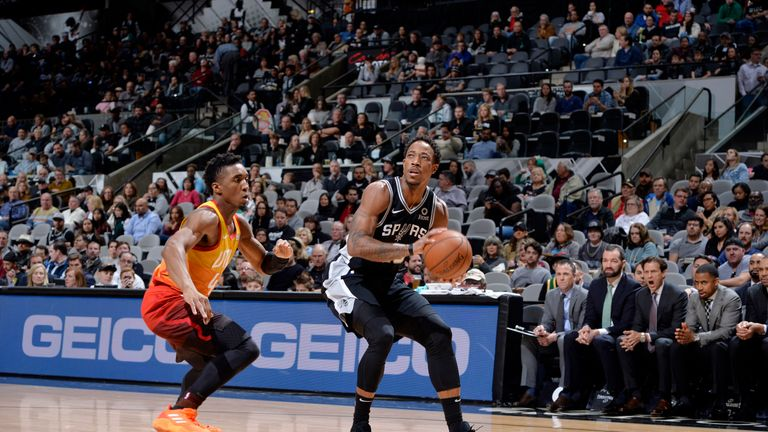 SAN ANTONIO, TX - DECEMBER 9: DeMar DeRozan #10 of the San Antonio Spurs shoots the ball against the Utah Jazz on December 9, 2018 at the AT&T Center in San Antonio, Texas. NOTE TO USER: User expressly acknowledges and agrees that, by downloading and or using this photograph, user is consenting to the terms and conditions of the Getty Images License Agreement. Mandatory Copyright Notice: Copyright 2018 NBAE (Photos by Mark Sobhani/NBAE via Getty Images)