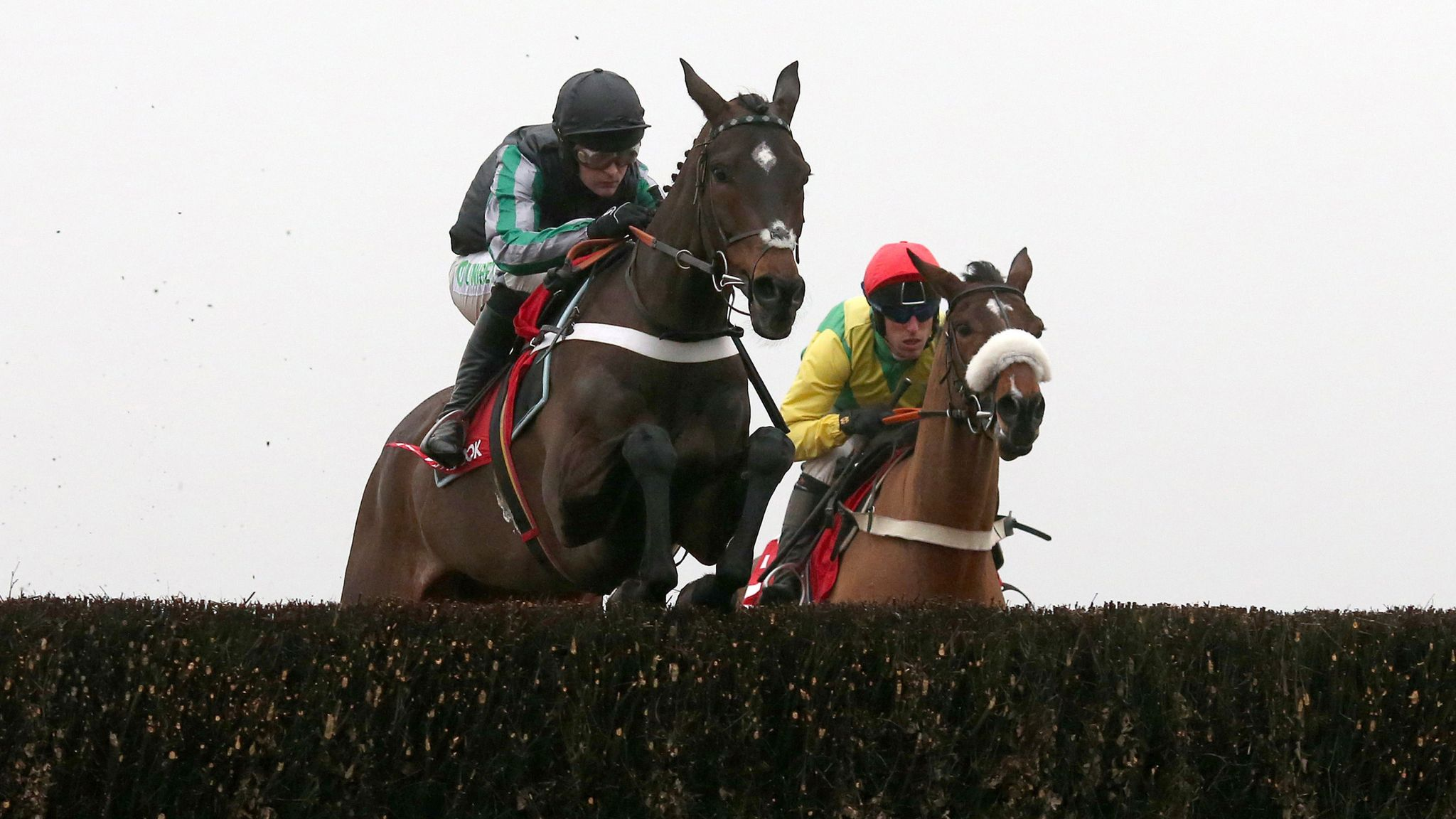 Henderson wary of Ascot trip for star chaser Altior