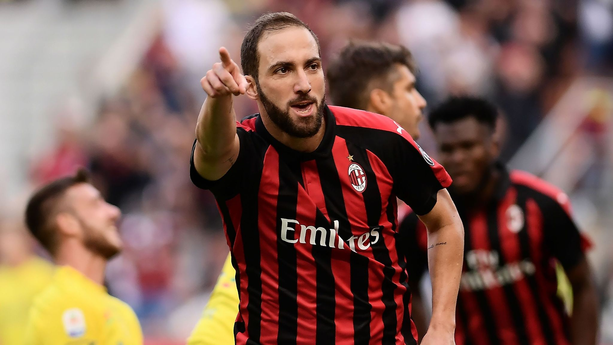 Chelsea target Gonzalo Higuain wants to leave Milan, says Gennaro ...