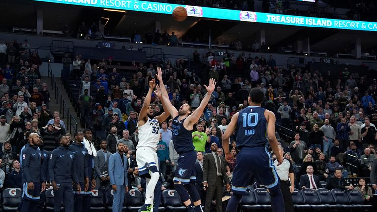 Karl-Anthony Towns fires his game-winning shot