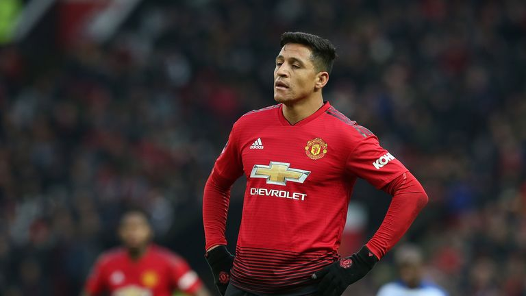 Alexis Sanchez suffered a suspected hamstring injury against Reading