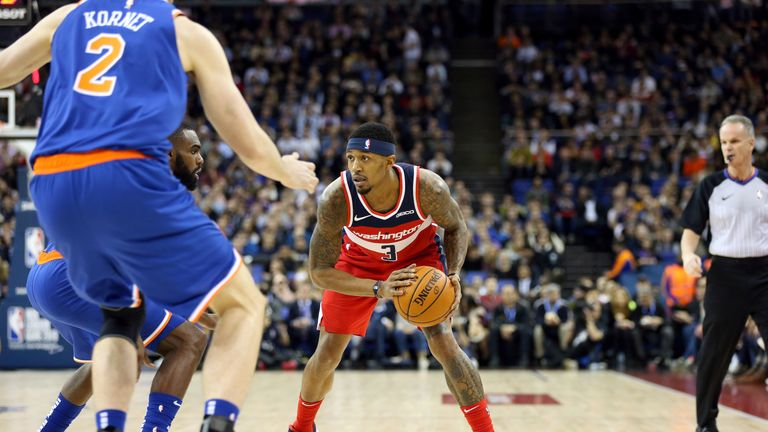 Bradley Beal handles the ball against the Knicks