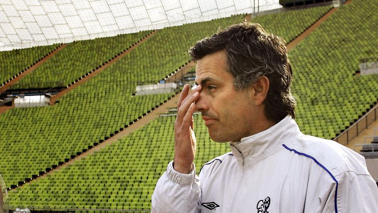 Jose Mourinho during a training session before the second leg with Bayern Munich in 2005