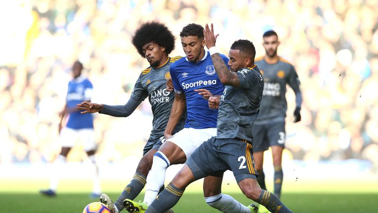 Dominic Calvert-Lewin (C) is tackled by Danny Simpson and Hamza Choudhury