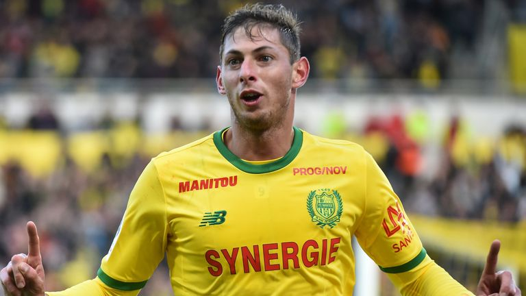 Nantes' Argentinian forward Emiliano Sala celebrates after scoring a goal during the French L1 football match between Nantes (FC) and Guingamp (EAG), on November 4, 2018, at the La Beaujoire stadium in Nantes, western France.