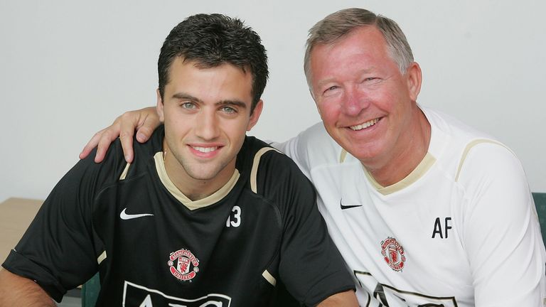 Sir Alex Ferguson (right) signed Giuseppe Rossi for Manchester United