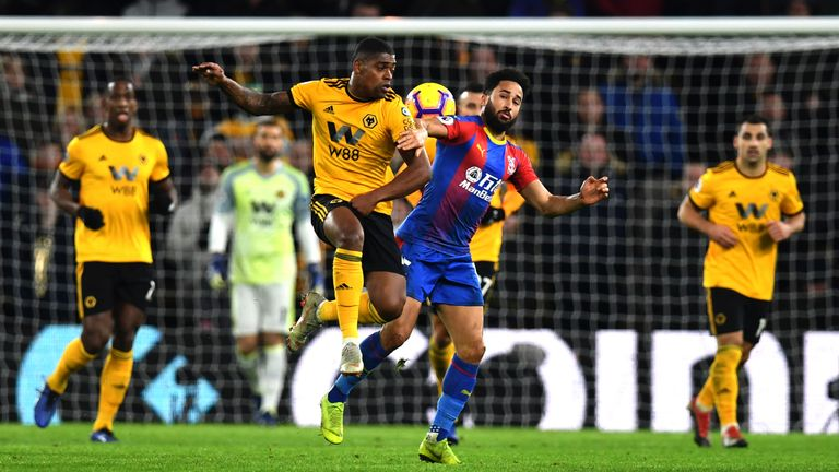 Ivan Cavaleiro challenges Andros Townsend