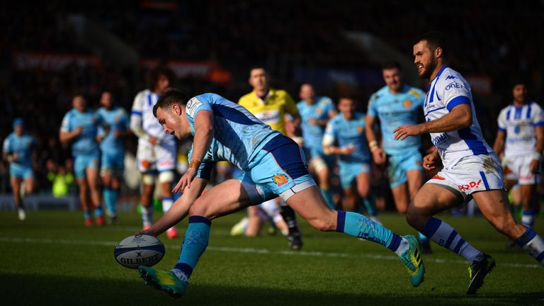 Joe Simmonds goes over to score Exeter's second try against Castres