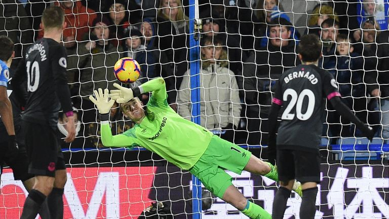 Jordan Pickford produces a fine save to deny Aaron Mooy an equaliser