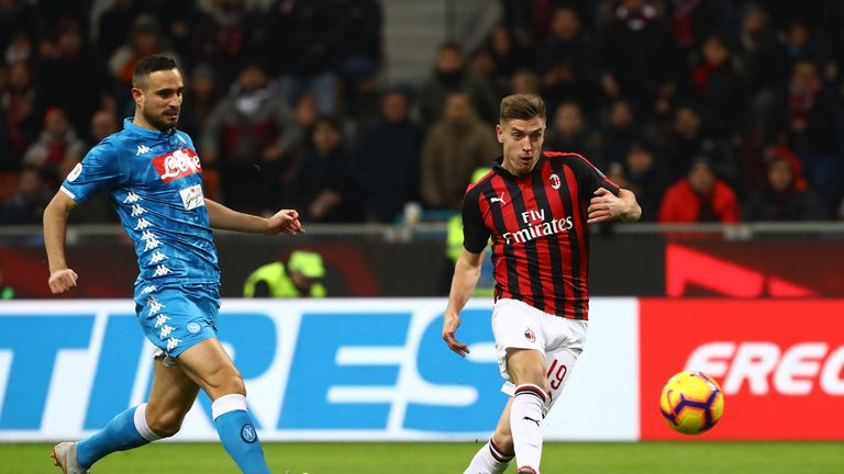 Kyzysztof Piatek nets his first goal for Milan