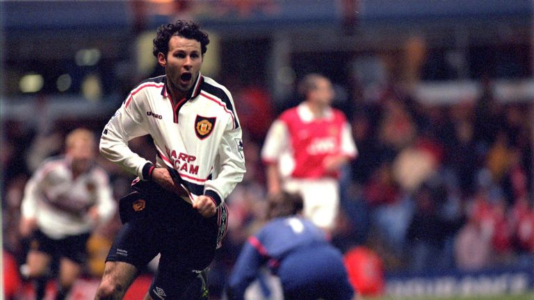 Ryan Giggs celebrates his winning goal against Arsenal in the FA Cup semi-final replay