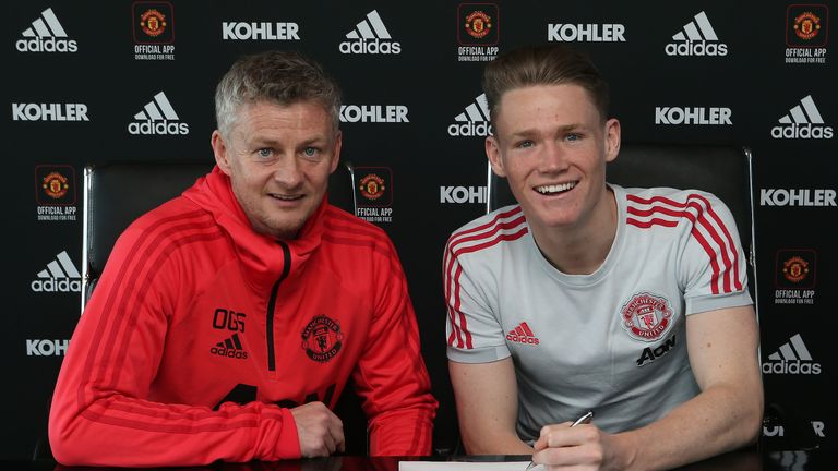 Scott McTominay signs new Manchester United contract | Football News |