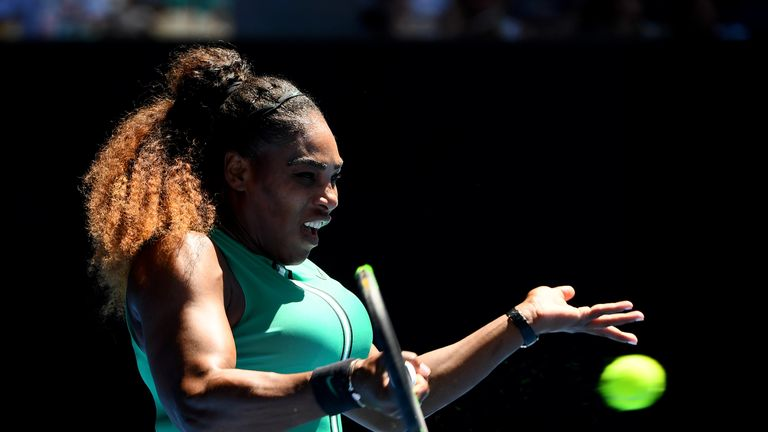 Serena Williams rolls into Aussie Open last 16
