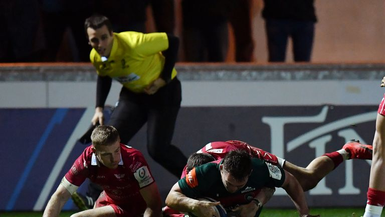 Will Evans scored one of two late tries for the Tigers at Parc-y-Scarlets