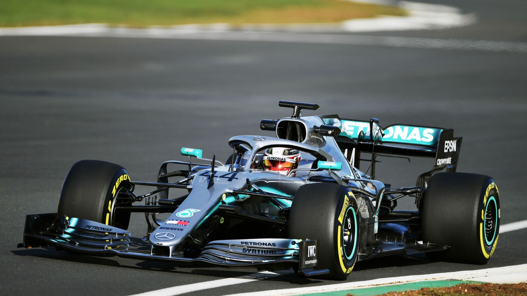 F1 2019 Lewis Hamilton Warns He Is Ready To Attack F1 News