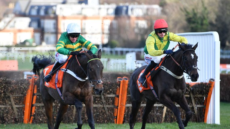 Buveur D'Air wins a third Contenders Hurdle
