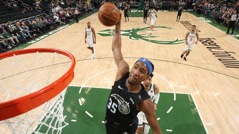 Jabari Parker returns to haunt Chicago Bulls with huge dunk | NBA News |