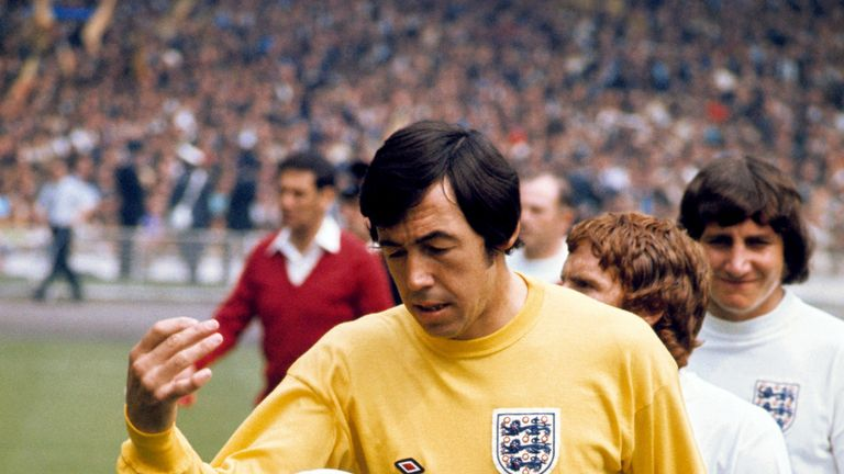 Banks leads England out at Wembley in 1969