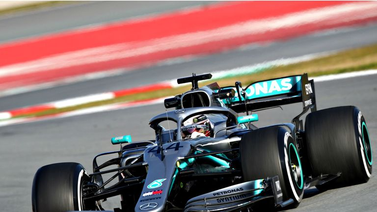 F1: Mercedes and Lewis Hamilton motivated by history quest