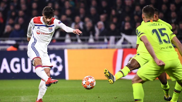 Lyon 0-0 Barcelona: Martin Terrier goes closest as Lionel Messi ...