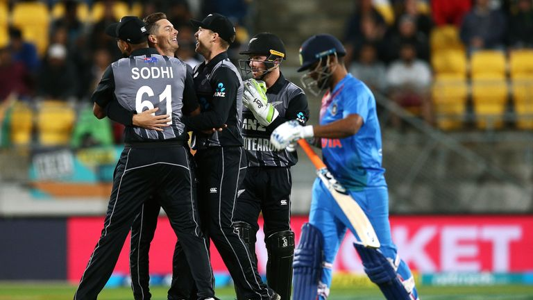 New Zealand 158 for eight in second T20 against India