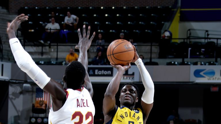 INDIANAPOLIS, IN - FEBRUARY 9: Darren Collison #2 of the Indiana Pacers shoots the ball against the Cleveland Cavaliers on February 9, 2019 at Bankers Life Fieldhouse in Indianapolis, Indiana. NOTE TO USER: User expressly acknowledges and agrees that, by downloading and or using this Photograph, user is consenting to the terms and conditions of the Getty Images License Agreement. Mandatory Copyright Notice: Copyright 2019 NBAE (Photo by Ron Hoskins/NBAE via Getty Images)
