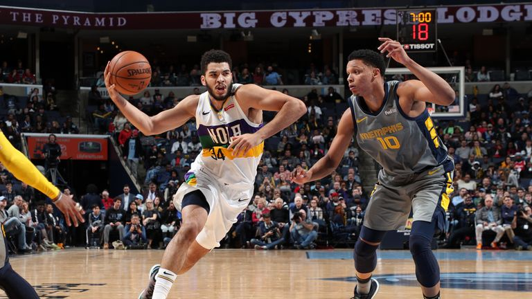 MEMPHIS, TN - FEBRUARY 9: Kenrich Williams #34 of the New Orleans Pelicans drives to the basket against the Memphis Grizzlies on February 9, 2019 at FedExForum in Memphis, Tennessee. NOTE TO USER: User expressly acknowledges and agrees that, by downloading and or using this photograph, User is consenting to the terms and conditions of the Getty Images License Agreement. Mandatory Copyright Notice: Copyright 2019 NBAE (Photo by Joe Murphy/NBAE via Getty Images).