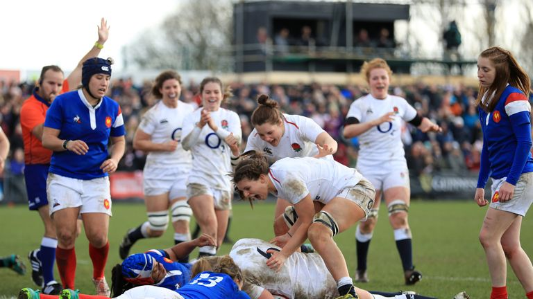 Poppy Cleall of England touches down for the fifth try