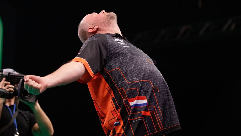 Raymond van Barneveld - The SSE Hydro in Glasgow