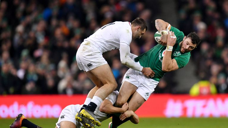 Joe Schmidt must made a decision on whether to stick with Robbie Henshaw