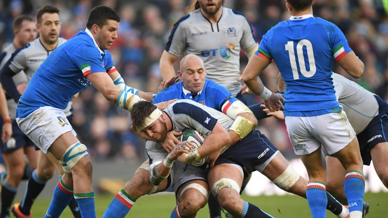 Sergio Parisse continues to carry the torch for Italian rugby