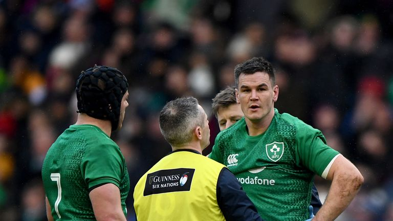 Ireland's Johnny Sexton failed a Head Injury Assessment (HIA) against Scotland on Saturday