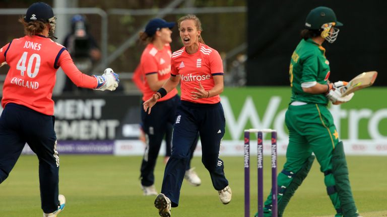 Tash Farrant took 11 T20I wickets in 14 matches for England
